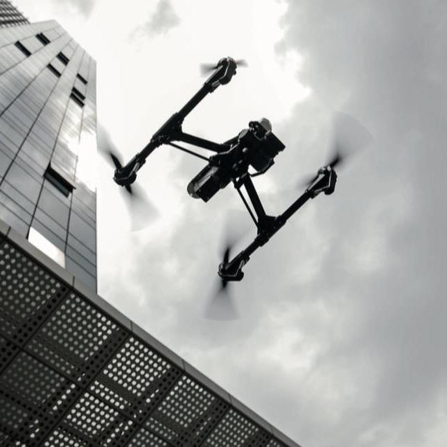 大疆汪滔首谈禁飞:一禁了之,误伤了无人机产业
